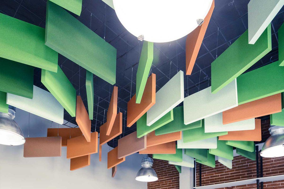 Paneles rectangulares suspendidos, ejemplo de ideas de decoración y acústica - sineco.